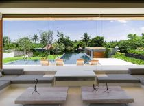 Villa The Iman, En bord de piscine salon